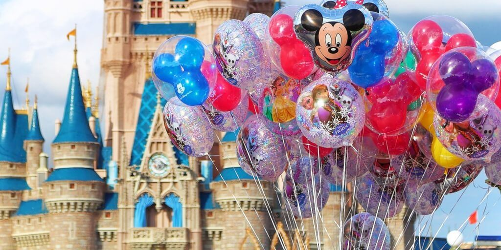 How to Do Disney: A Disney Parks strategy guide by a former cast member at Disney World!
