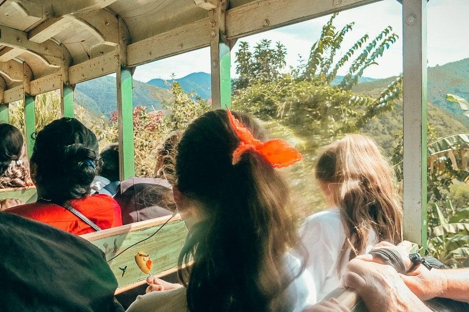 Getting from Ecuador to Peru using public transportation