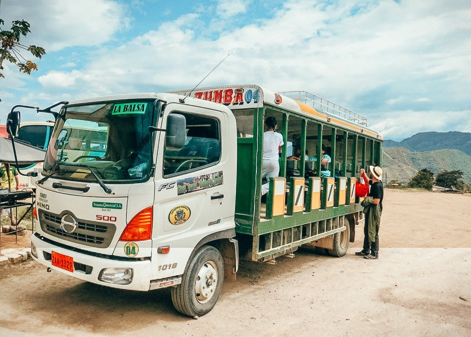 How to get from Ecuador to Peru by bus