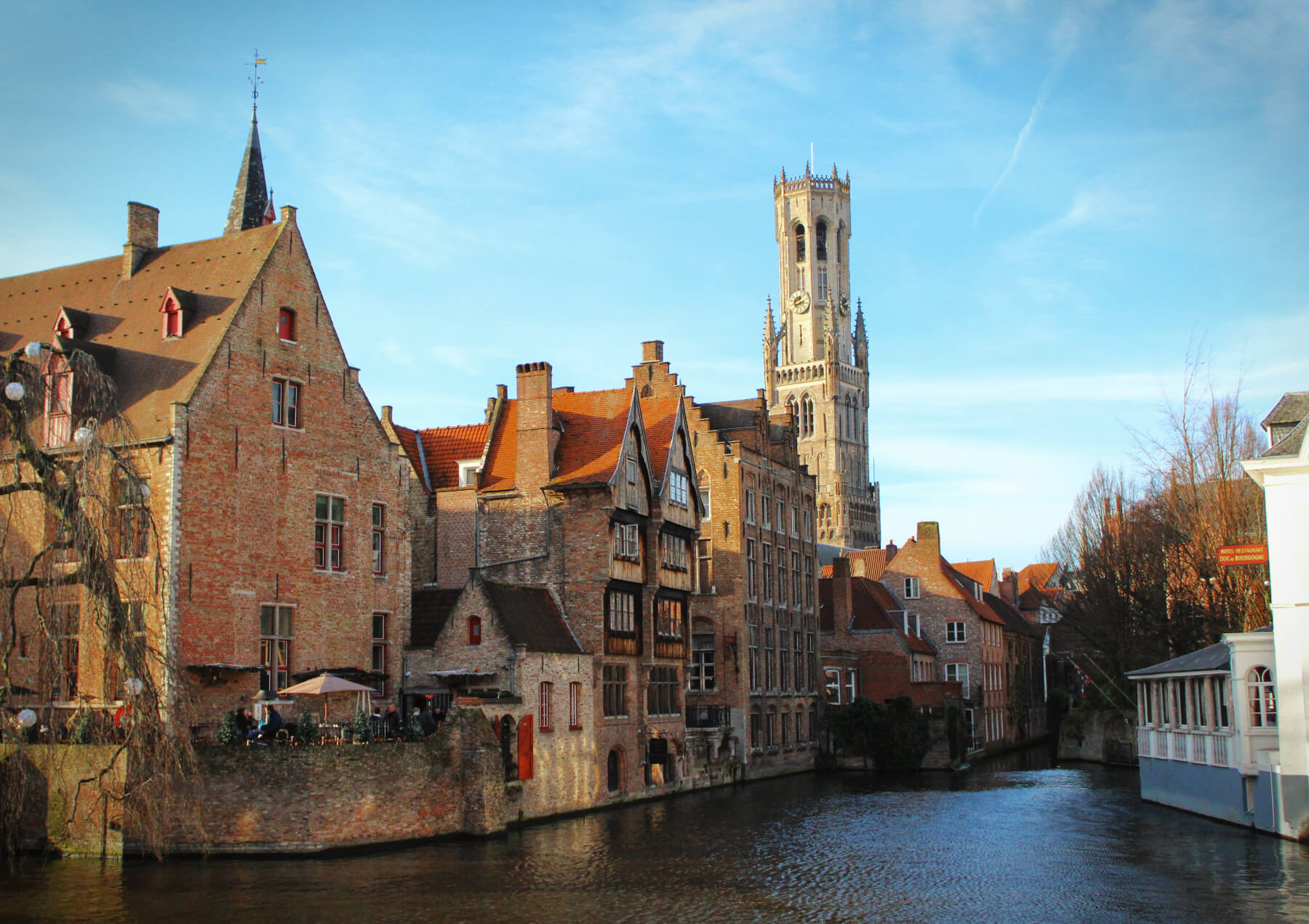Picturesque Brugges, Belgium is a fantastic medieval town that isn't to be missed when visiting Belgium.