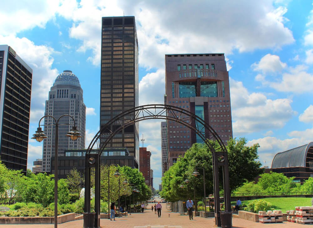Downtown Louisville is close to the waterfront, the Belvedere, the Belle of Louisville, Museum Row, Louisville Slugger Field, and many of the best neighborhoods in Louisville to visit! It's a great spot to explore the best places to visit in Louisville.