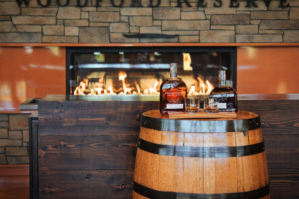 What would a visit to Kentucky be without bourbon tasting? The Kentucky Bourbon Trail is one of the best day trips from Louisville, and Woodford Reserve is one of our favorite bourbon distilleries to visit!