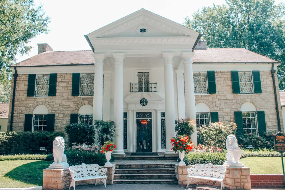 Graceland exterior in Memphis, Tennessee