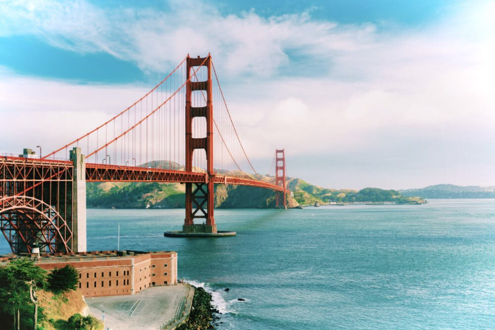 30 things nobody tells you about San Francisco, California: a local's mildly helpful guide.