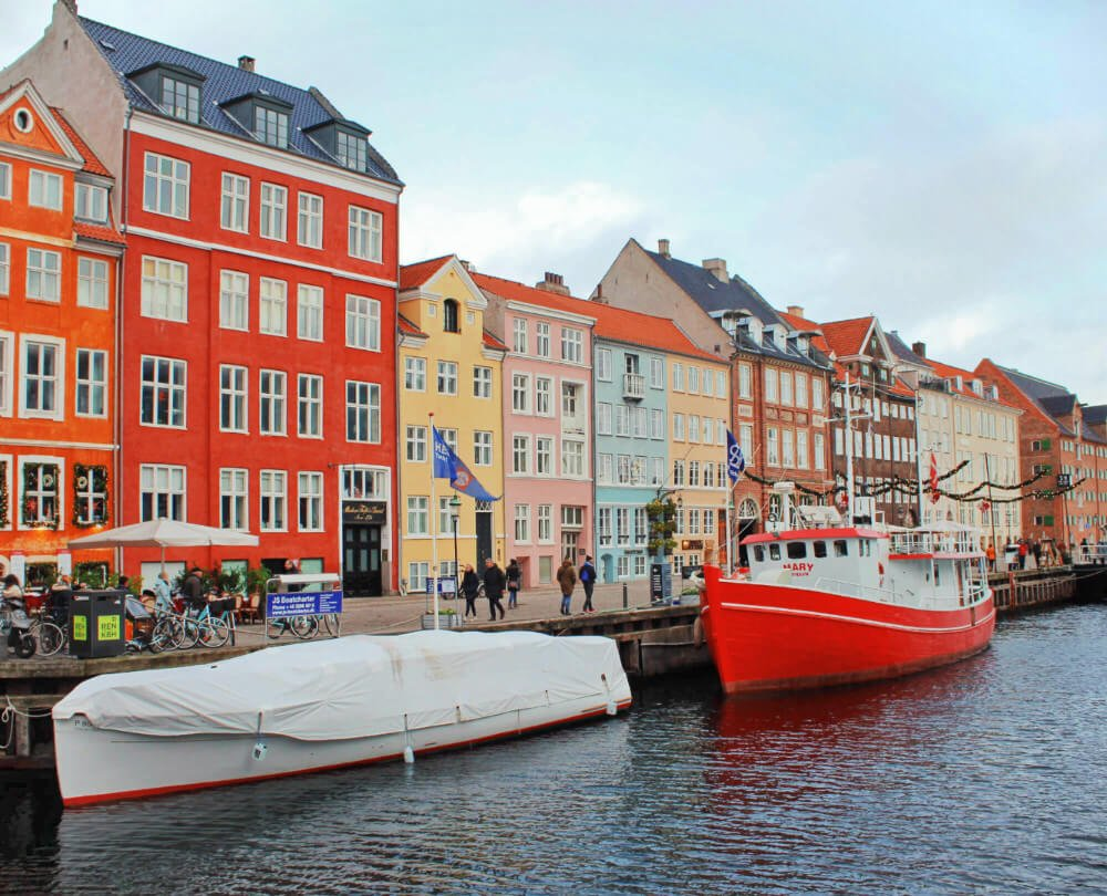 Gorgeous Nyavn with its famously colorful buildings is home to a Christmas Market in November and December!