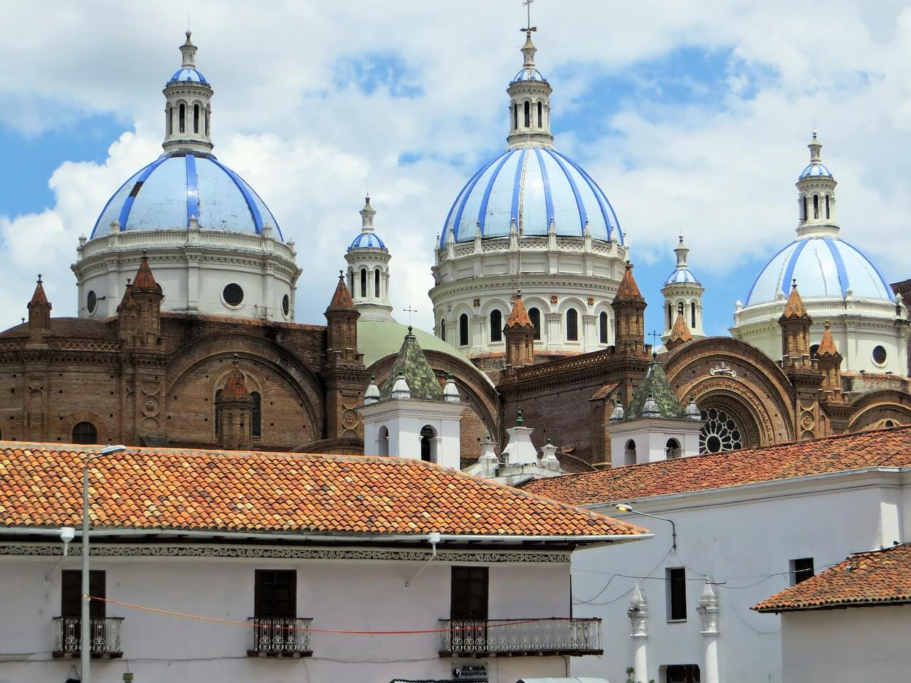 Beautiful Cuenca, Ecuador is a UNESCO world heritage site and home to many beautiful colonial buildings, like these!