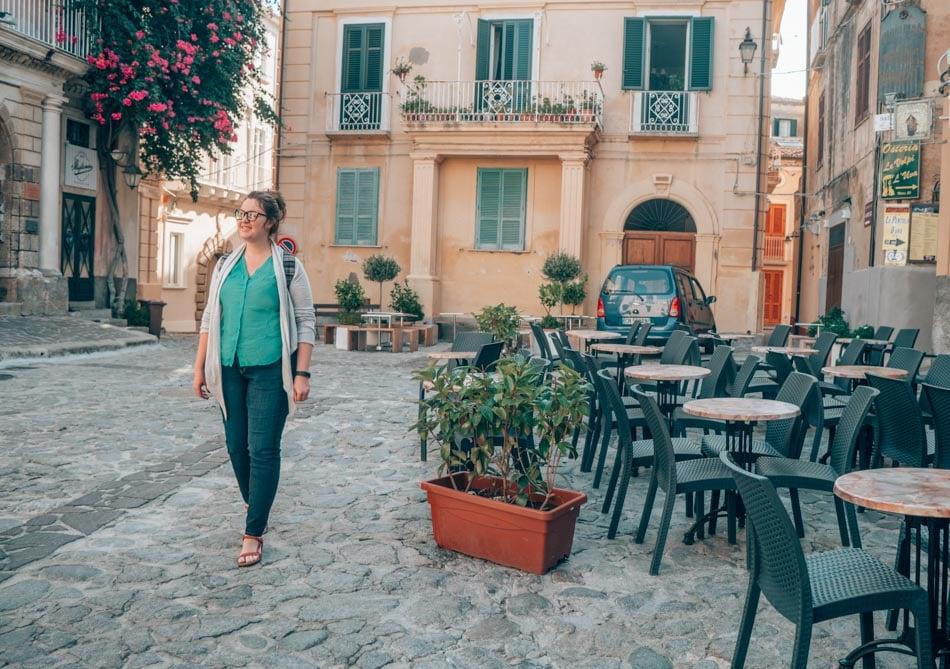 Rockin' my favorite Aviator USA travel jeans in Indigo in Tropea, Italy!