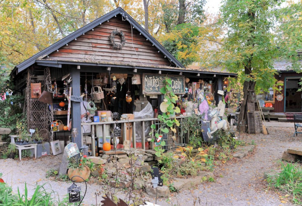 An artist shop in Nashville, Indiana. Nashville, Indiana is an artisic mecca located in Brown County, Indiana. Spend a weekend supporting local artists, hiking, and relaxing on a weekend getaway in Nashville, Indiana.