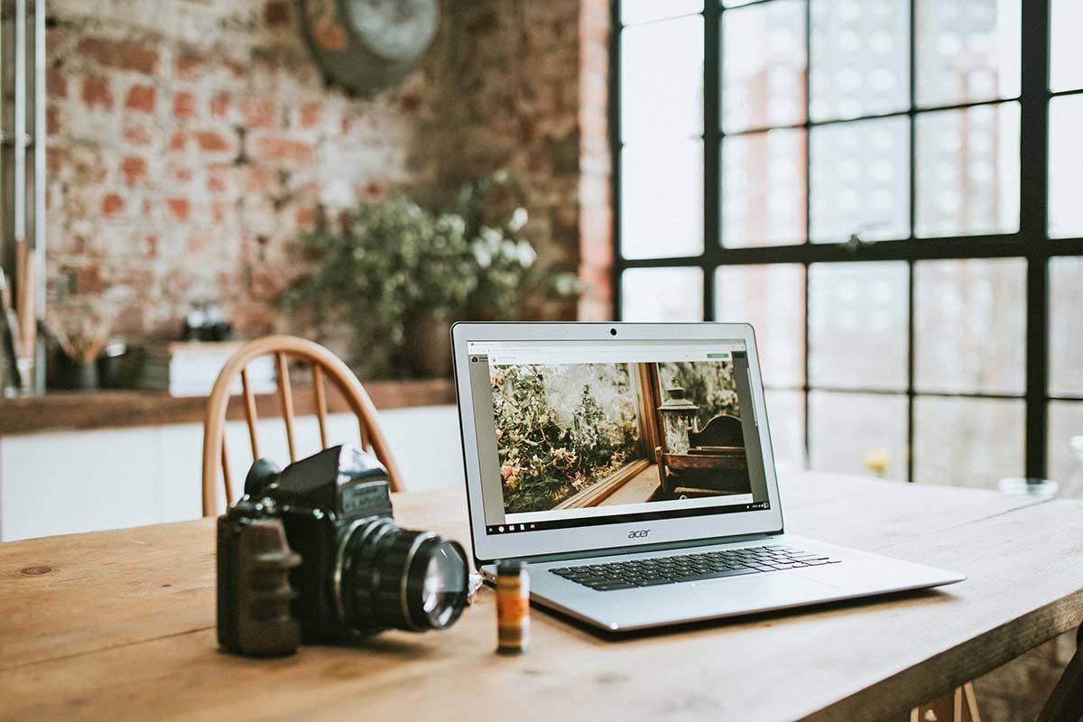 What's it REALLY like to be a full-time travel blogger? Here are 25 things nobody tells you.