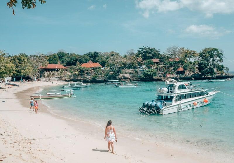 White sand beaches and aqua water in Nusa Lembongan, Bali, Indonesia.