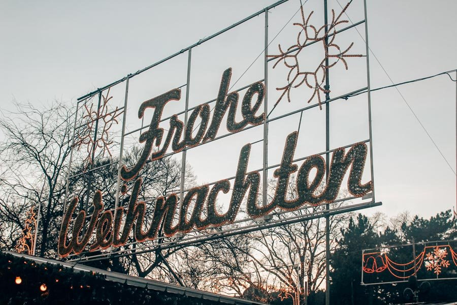 """A """"Frohe Weihnachten"""" sign at a Viennese Christmas Market."""