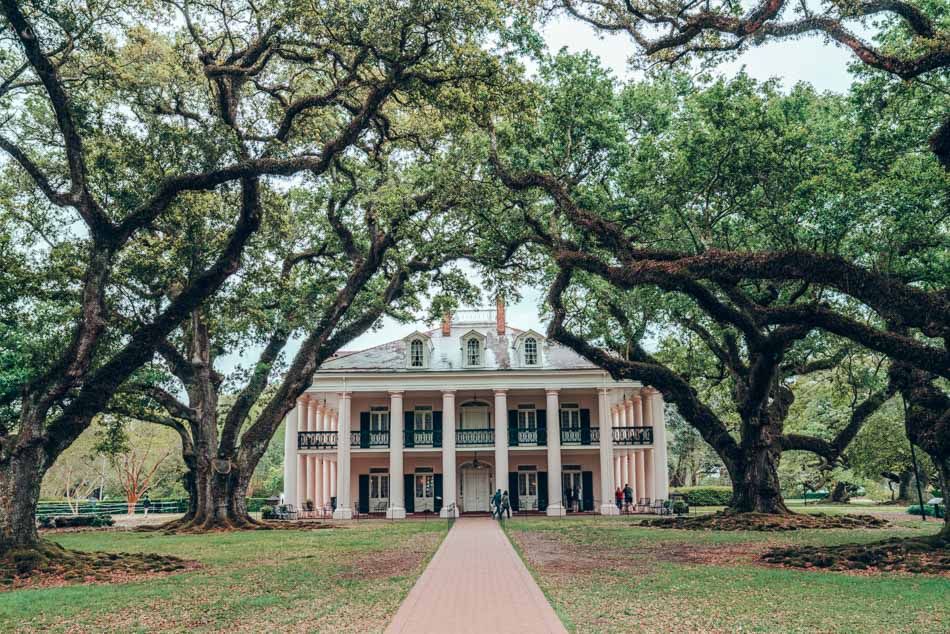 Oak Alley is the prettiest plantation near New Orleans, hands down. But we don't think that's a good reason to visit a plantation.