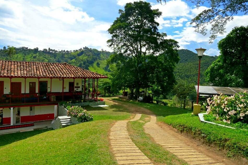 The beautiful Finca el Ocaso coffee farm in Salento, Colombia