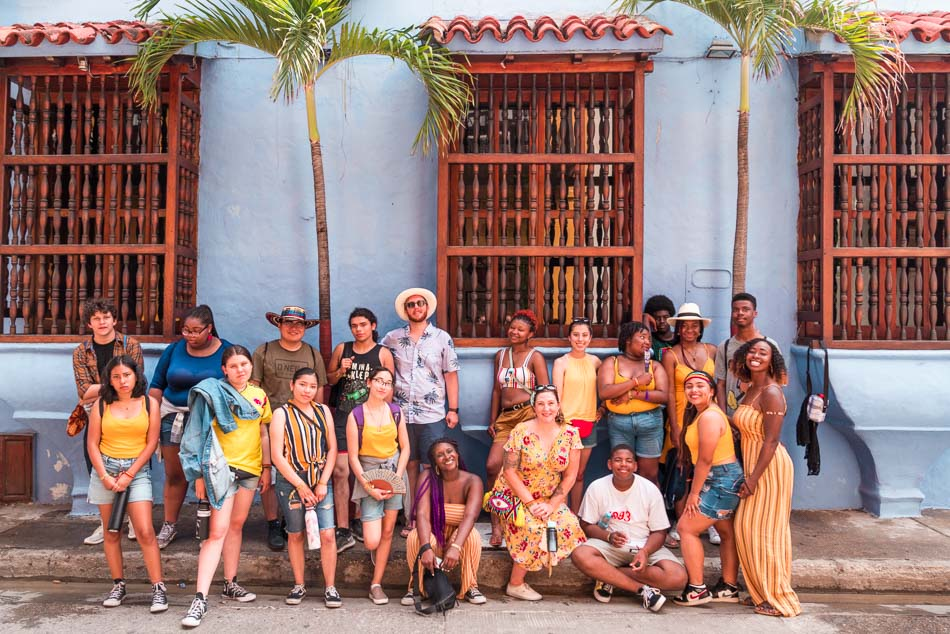 Jeremy with students in Cartagena, Colombia.