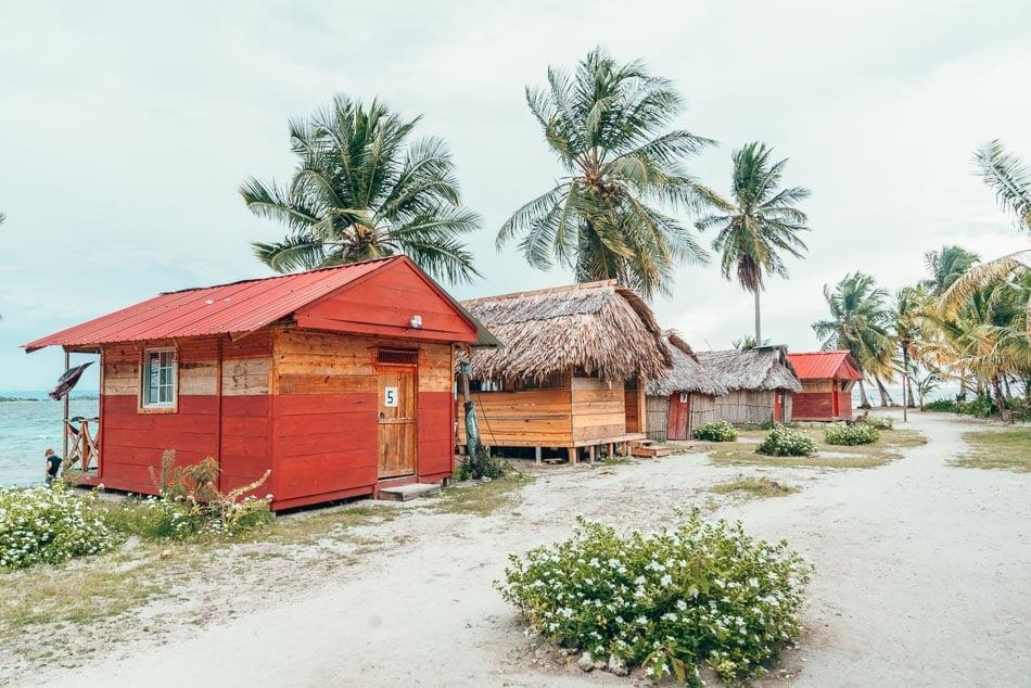 Beach huts in the San Blas Islands, Guna Yala, Panama.