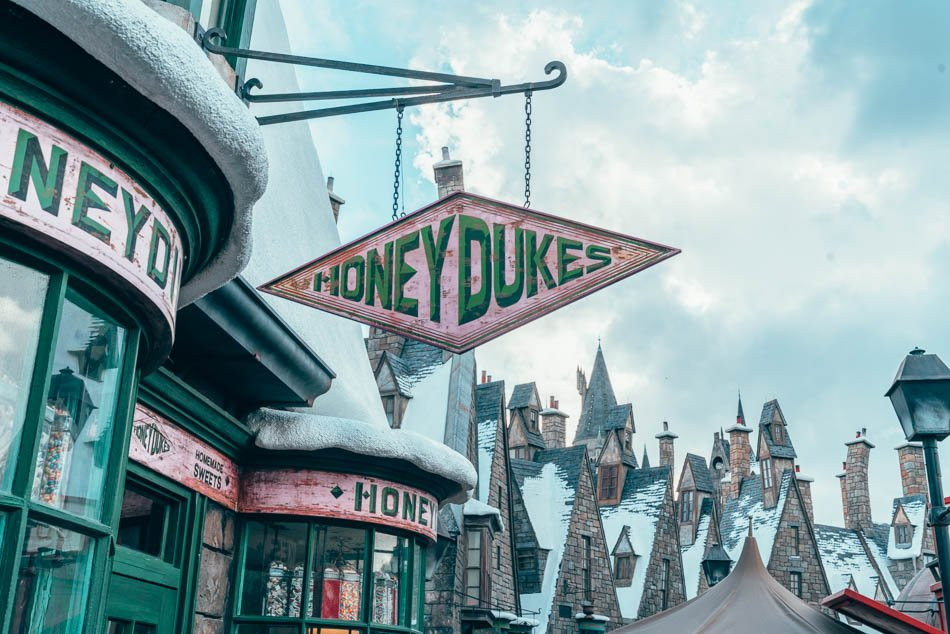 Honeydukes in Hogsmeade in the Wizarding World of Harry Potter in Universal Studios Orlando
