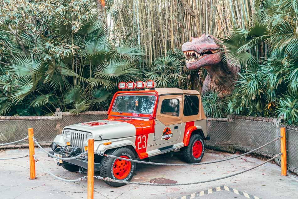 Jeep and dinosaur at Jurassic World in Universal Studios Orlando, Florida.