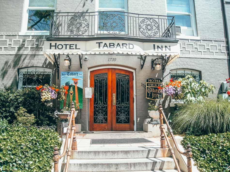 The entrance outside of Hotel Tabard Inn in Washington DC.