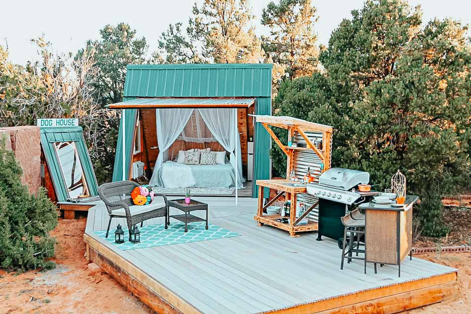 Romantic chic glamping A-Frame AirBnb in Hildale, Utah. It comes with the most spectacular view and a unique convertible door that gives you the opportunity to connect with nature.