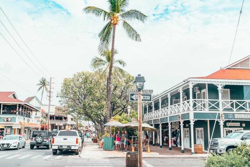 Street view of Lahaina, Hawaii
