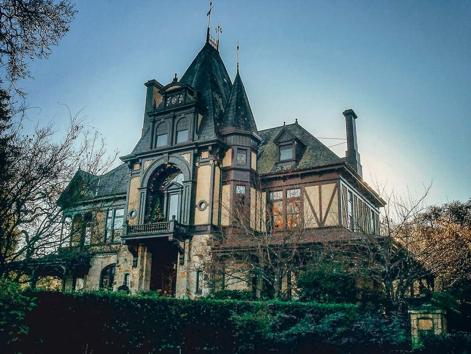 A house at the Beringer Vineyard in Napa, CA.