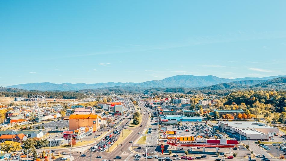 aerial view of parkway in pigeon forge tennessee